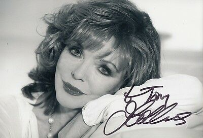 "JOAN COLLINS - Original 10"" x 8"" b/w Photograph PERSONALLY SIGNED to 'BARRY'"