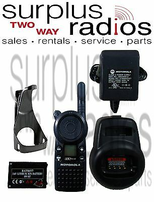 CLS1110 5-Mile 1-Channel UHF 2-Way Radio Fair Condition with charger