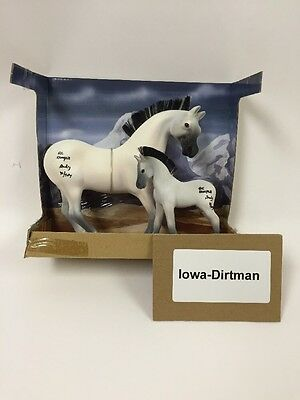 Grand Champions Horse Country White Mare & Foal Production Sample set 55030 Used