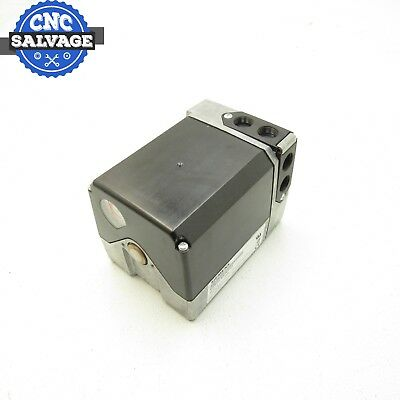 Siemens Rotary Actuator 110-120VAC SQM56.680R1G3 *New In Open Box*