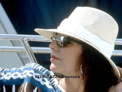 """JOAN COLLINS - 10"""" x 8"""" Colour Photograph taken in SOUTH OF FRANCE 1986 #1931"""