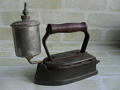 ORIGINAL ANTIQUE 1950s - THE ROYAL IRON - MADE IN THE USA