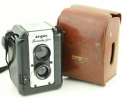 Vintage Bakelite Argus 75 Seventy-Five Box Camera With Lumar Lens Collectable