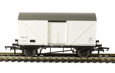 R6638 Hornby 00 Gauge 12 Ton Fish Van 'E 87003'  New and Boxed