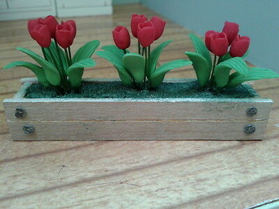 Dolls House Miniatures 1/12th scale Red Tulip Wooden Window Box 4269 New