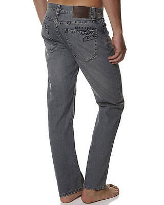 BILLABONG Regular Rexford Relaxed Straight Blue Jeans, Size 34. NWT. RRP $89.99.