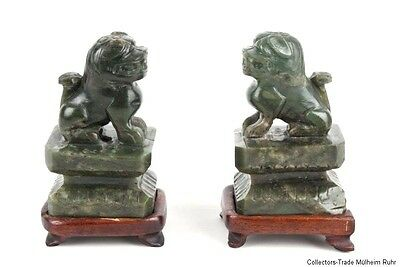 China 20. Jh. - A Pair Of Chinese Spinach Jade Buddhist Lions - Cinese Chinois