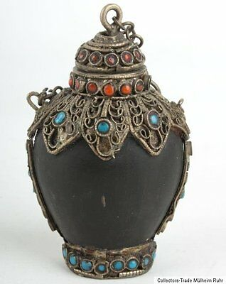 Nepal 20. Jh. A Nepalese Horn Snuff Bottle With Inlaid Silver Mounts - Tabatiere