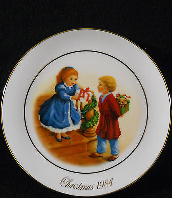 Avon Collector Plate Christmas 1984 9 1/4 in VG
