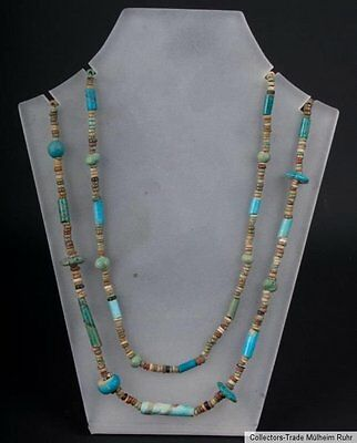 An Egyptian Necklace Egyptian 'after 600 B.C' Collier égyptien Collana Egiziana