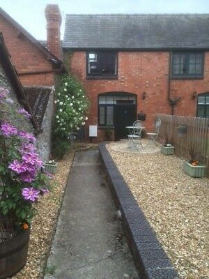 Holiday cottage in Bishops Castle, South Shropshire hills-sleeps 2