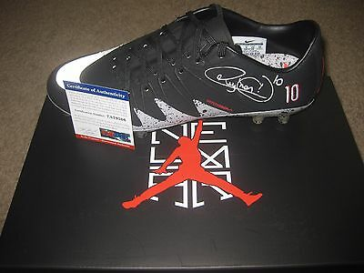 Neymar signed Nike Jordan Cleat - First Soccer Cleat Ever PSA DNA