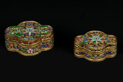 China 20. Jh. 2 Dosen Chinese Cloisonne Champleve Enamel Boxes - Cinese Chinois