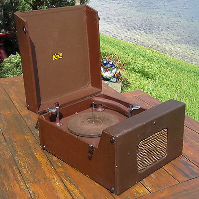 A Restored 1946 Espey Model 641 Phonograph - See The Video!