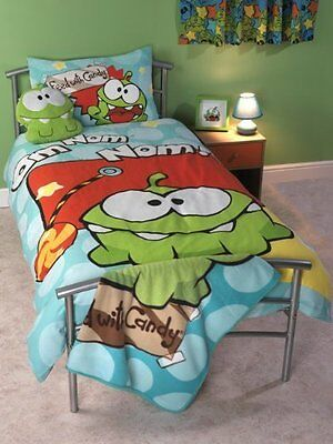 Cut the Rope Duvet Cover & Pillowcase Bedding Set Featuring Om Nom - Single Bed