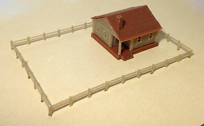 Outland Models Train Railway Layout Country Cottage House with Fencings N Scale