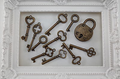 10 Mixed Antique Vintage Style Skeleton Key Charms Pendants With 1 Key Padlock