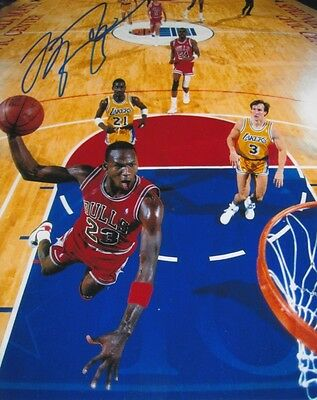 MICHAEL JORDAN NBA CHICAGO BULLS SIGNED 10x8 INCH LAB PRINTED PHOTO
