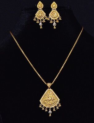 Gorgeous Middle Eastern 22C 22K Solid Gold Filigree Bead Pendant Earrings Set