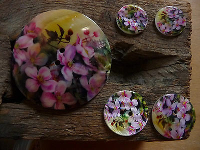 Mother of pearl Button, Flower pattern, Round, 2-hole button