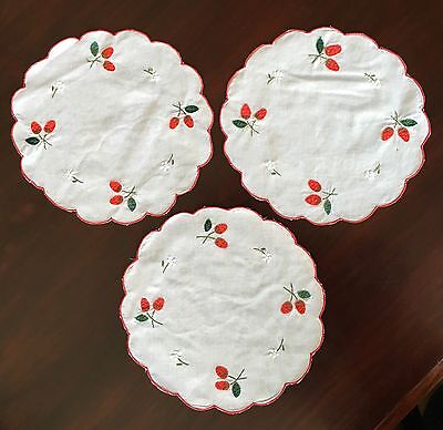 Vintage Embroidered Linen Doilies 26cm