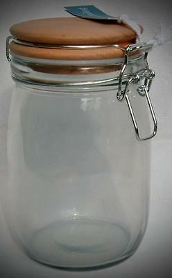 MEDIUM STOREHOUSE JAR with WOODEN LID. GLASS. By Garden Trading.