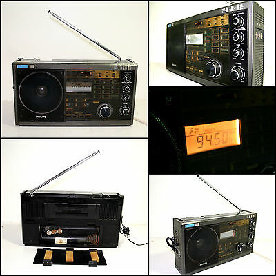 PHILIPS D-2935 4 Band Portable Synthesized World Receiver