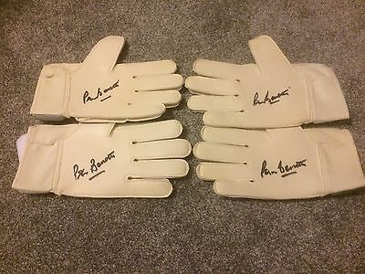 Peter Bonetti Chelsea Hand Signed Umbro Goal Keepers Glove PROOF- SALE