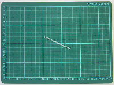 New Thick Self Healing Cutting Mat 22cm x 30cm for Craft, Scrapbooking, Quilting