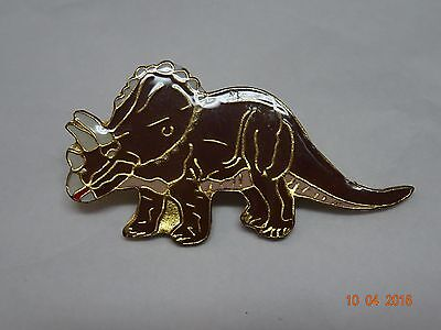 Dinosauer  lapel pin (TRICERATOPS) Very nice collector pin !!  New