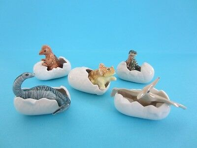 NEW FIVE DINOSAURS IN EGG VERY NICE FIGURINES AT A GREAT PRICE *Mint*