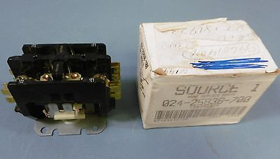 Products Unlimited Corp 024-25838-700 Definite Purpose Magnetic Contactor NIB