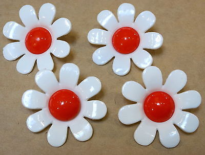 4 ORANGE & WHITE RETRO FLOWER BUTTONS 1970s AS NEW