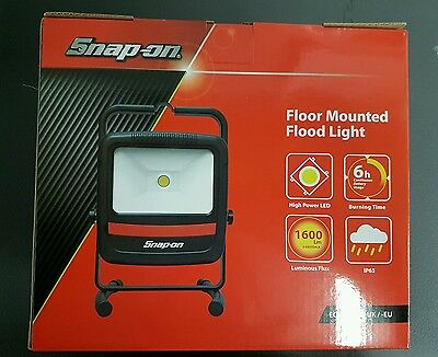 Snap On NEW Rechargeable Lithium Ion Floodlight. LED. IP65 Work Light.