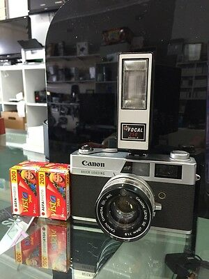 Canon Canonet QL19 film camera With focal flash unit