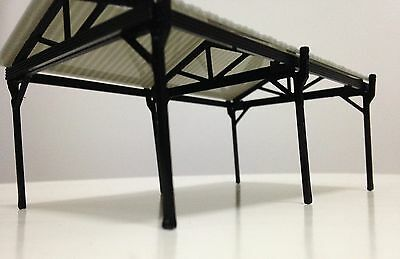 Outland Models Railway Small Shed for Autos / Goods HO OO Scale
