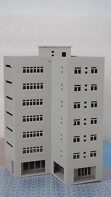 Outland Models Railway Modern Large Business Building / Office N Scale 1:160