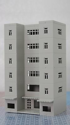 Outland Models Railway Modern Building Tall Shopping Centre Mall Grey N Scale
