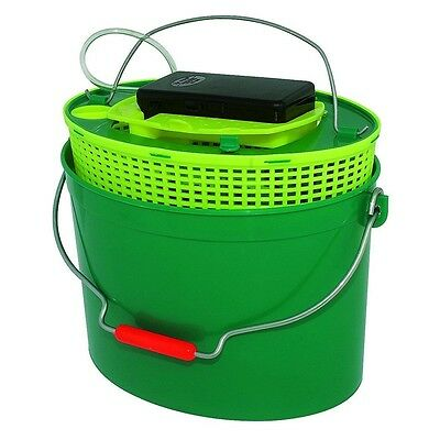Buldo Oval Live Bait Bucket with Aerator