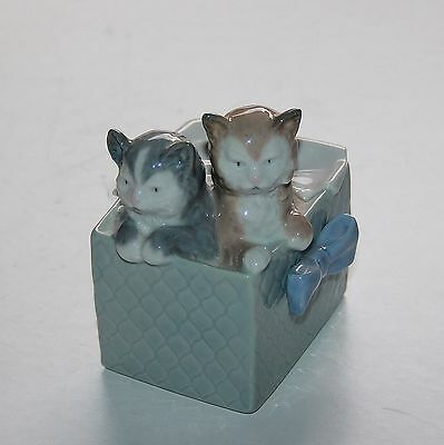 NAO Figurine, Cats In Basket, Purr-fect Gift 02001080