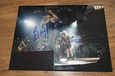AC/DC Angus & Malcolm Young + Brian Johnson signed Autogramm Foto InPerson LOOK