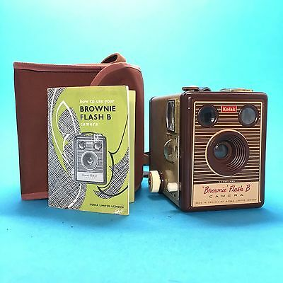 Kodak Brownie Flash B with case and instructions camera kamera vtg working great