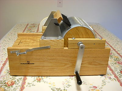 Deluxe model manual brother drum wool carder