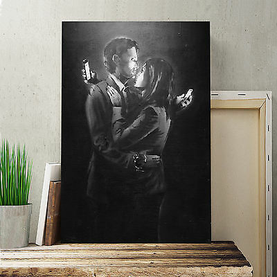 "Canvas Print 30x20"" Banksy Mobile Lovers Black and White Wall Graffiti Art"