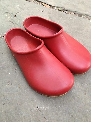 Womens 8 Sloggers Gardening Clogs Red Made in USA