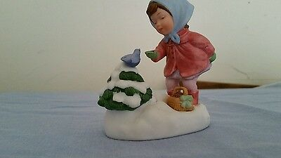 """Vintage Avon """"We wish you a Merry Christmas"""" Musical Porcelain Figurine"""
