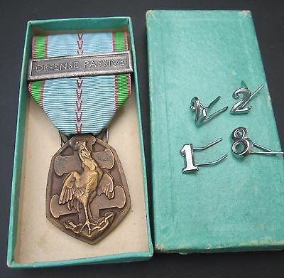 PASSIVE DEFENSE WWII 1939 1945 Commemorative war medal France French rooster