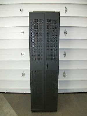 Quest Mfg 7Ft Enclosure 4-post Computer Server Rack w/ Casters (ENC2262)