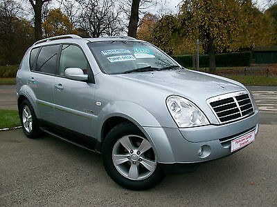 Ssangyong Rexton 2.7TD 270 SPR AUTOMATIC 5DR SILVER MET . FANTASTIC VALUE