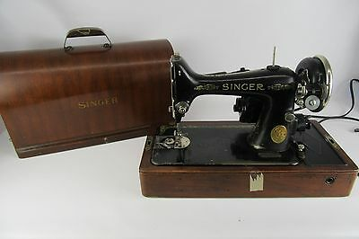 Antique Singer AE126929 Sewing Machine With Wooden Lock Case & Key